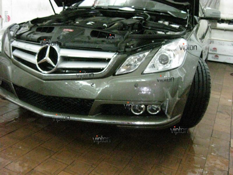 Автомобиль Mercedes- Benz E 212 купе / Нанесение антигравийной пленки VENTURESHIELD.
