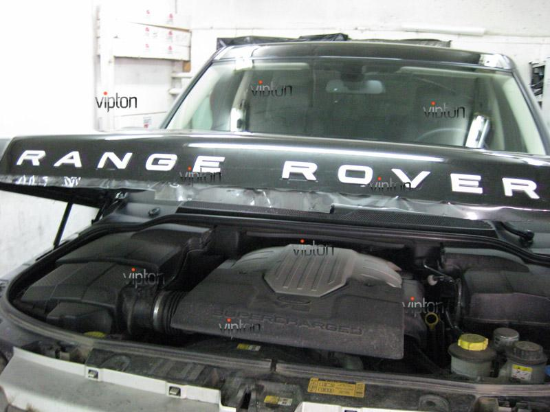 Автомобиль Range Rover Sport. / Нанесение антигравийной пленки VENTURESHIELD.