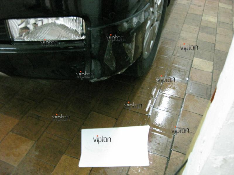 Автомобиль Тoyota Land Cruiser 200. /  Нанесение антигравийной пленки VENTURESHIELD. 2