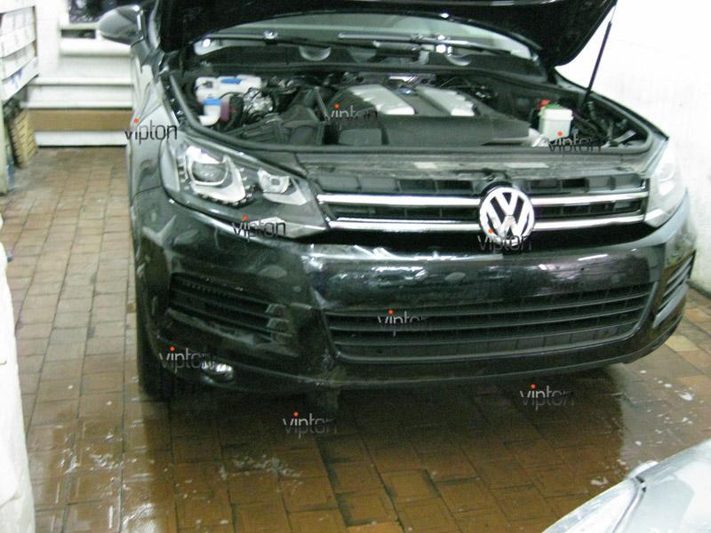 Автомобиль Volkswagen Touareg. / Нанесение антигравийной пленки VENTURESHIELD.