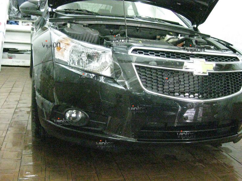 Автомобиль Chevrolet Crus. /  Нанесение антигравийной пленки VENTURESHIELD. 3