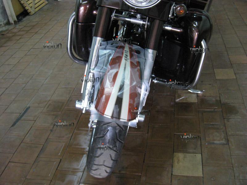 Мотоцикл Harley Davidson Street Glide / Нанесение антигравийной пленки 5