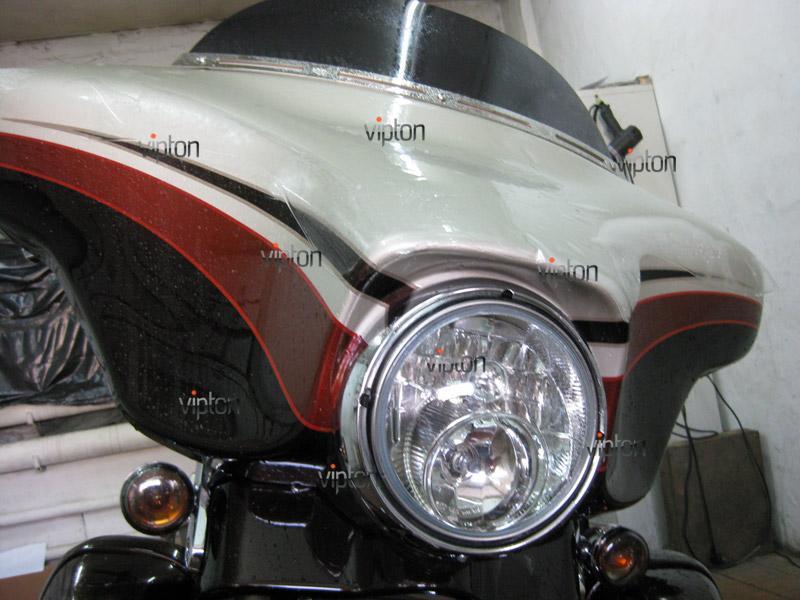 Мотоцикл Harley Davidson Street Glide / Нанесение антигравийной пленки 11