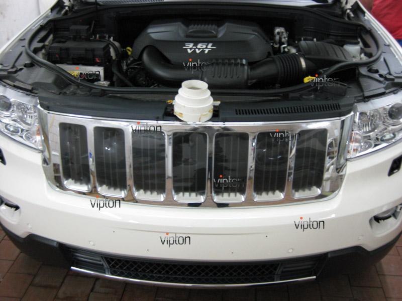 Автомобиль JEEP Grand Cherokee: Нанесение антигравийной пленки