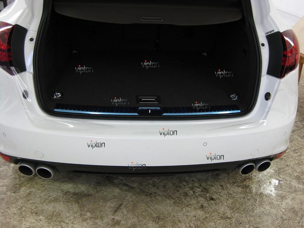 Автомобиль Porsche Cayen 3