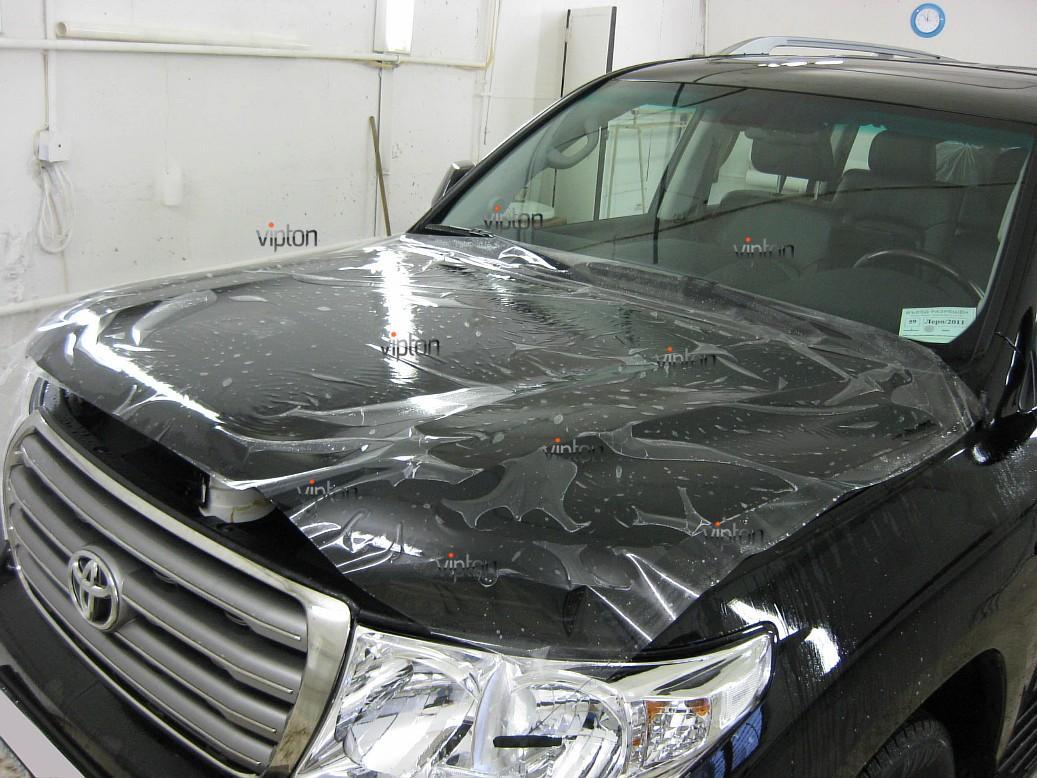 Автомобиль Toyota Land Cruiser 200