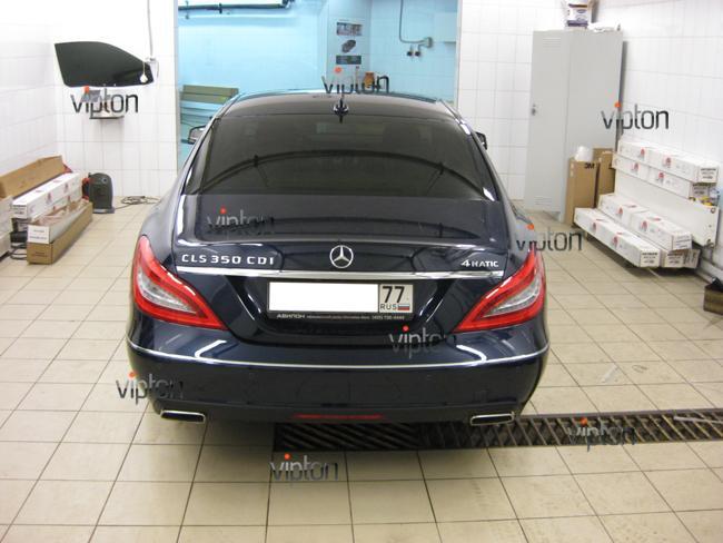 Mercedes Benz CLS: Нанесение антигравийной пленки 2