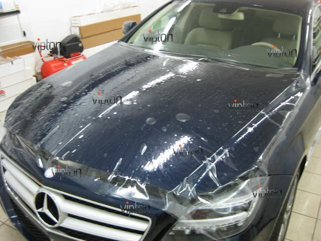 Mercedes Benz CLS: Нанесение антигравийной пленки 4