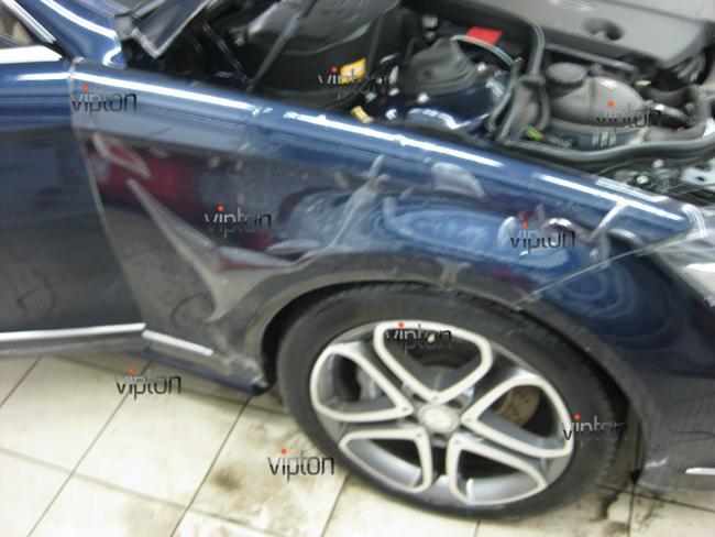 Mercedes Benz CLS: Нанесение антигравийной пленки 5