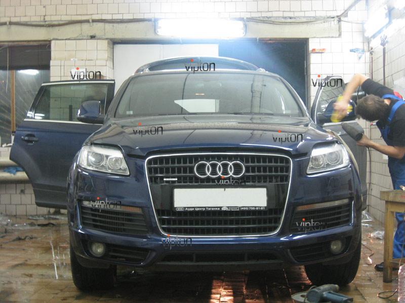 Audi Q7: установка антигравийной пленки 6