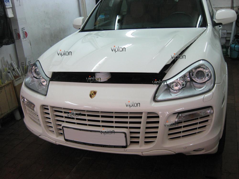 Porsche Caen 1