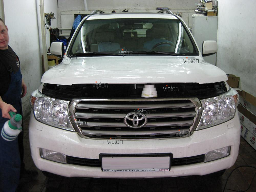 Toyota Land Cruiser 1