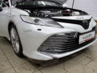 Toyota Camry:Антигравийная пленка  LLUMAR GLOSS PPF.