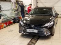 Toyota Camry: тонирование задней полусферы