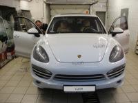 Porsche Cayenne:LLumar AIR 75 SR HPR.