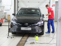 Toyota Camry:  пленка SPARKS TOP.