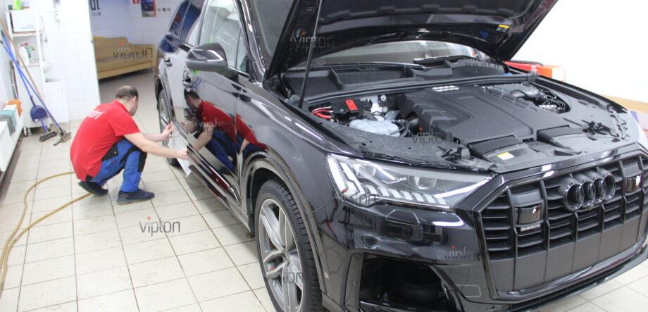 Audi Q7: расширенный пакет 9