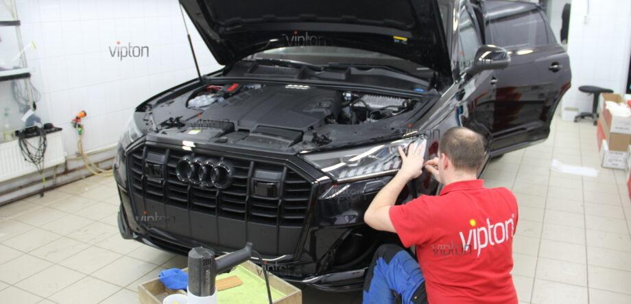 Audi Q7: расширенный пакет 1