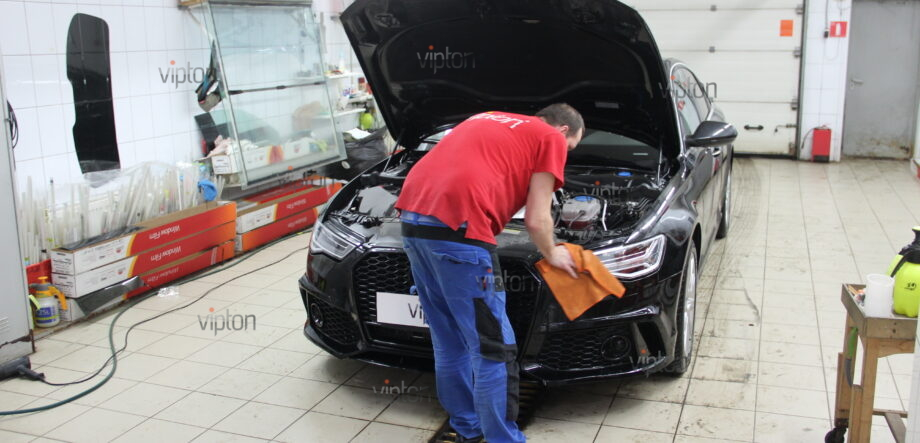 Audi A6: бронирование фар 1
